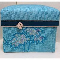 5K お母様のしぼりを使った作品。ブルーが美しく、爽やかな印象