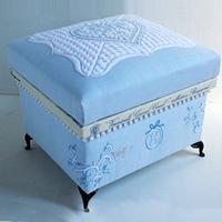 NORI-M 爽やかなブルーにブッティ刺繍をあしらった清潔感溢れる作品