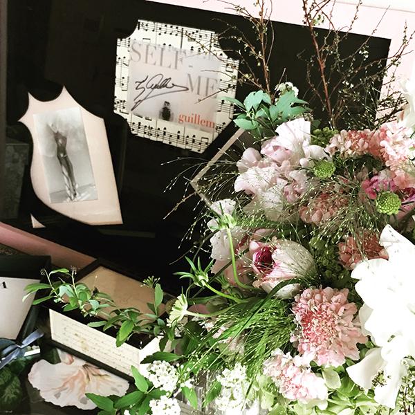 インテリア茶箱以外の資格として最新なのは、生花ディプロマ取得です。習うだけの花でしたがレッスンも出来るようになりました。