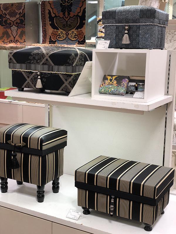 モノトーンカラーのスタイリッシュなデザイン茶箱