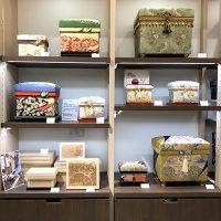 手描き京友禅などの和物の美しい茶箱
