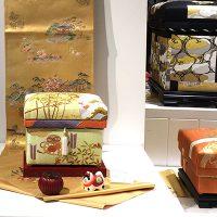 狛犬飾りと手描き京友禅 藤井寛先生「お正月」1K 横には大正帯「松」5KS