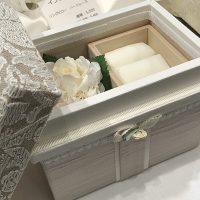 ミニ桐茶箱の中にジュエリーBoxとお花を入れて、おしゃれに収納!