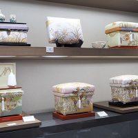 手描き京友禅 藤井寛先生の茶箱シリーズを並べました。