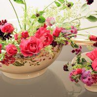 Gien(ジアン)の食器と花のコーディネーション