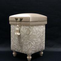 お嫁入り!!Pure Morris 「Arbutus Embroidery 」STOOL