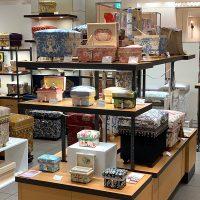 人気のシャール・ブルジェ「Cherubins」とラグジュアリータイプのミニ茶箱も並びました