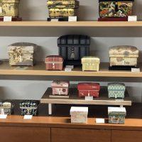 相澤久美子 手織り博多織や友禅染など和の美しい茶箱たち